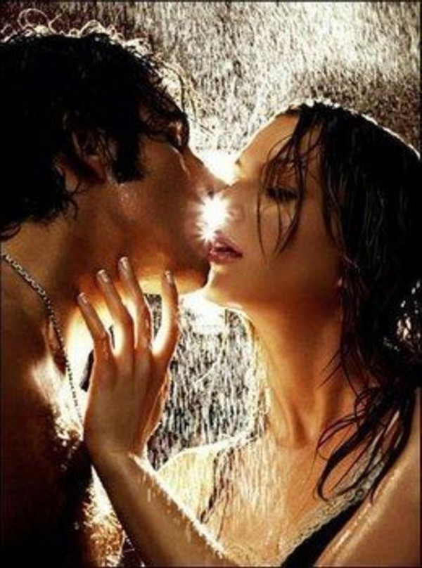 couple kissing in rain images. 17-beach-couple-kissing